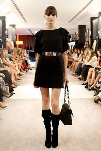 Look all black – Talie NK