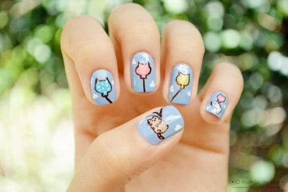 Unhas decoradas com Pusheen, o gato